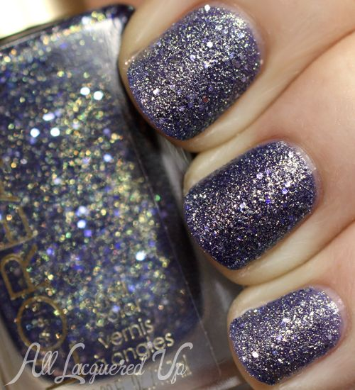 LOreal Too Dimensional textured nail polish LOréal Paris Colour Riche Gold Dust Textured Nail Polish Swatches & Review