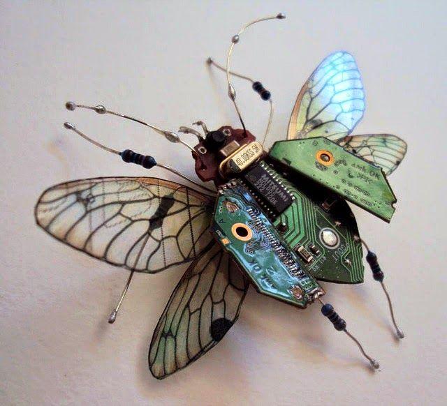 Sculptures d'insectes en recyclage electronique par Alice Chappell