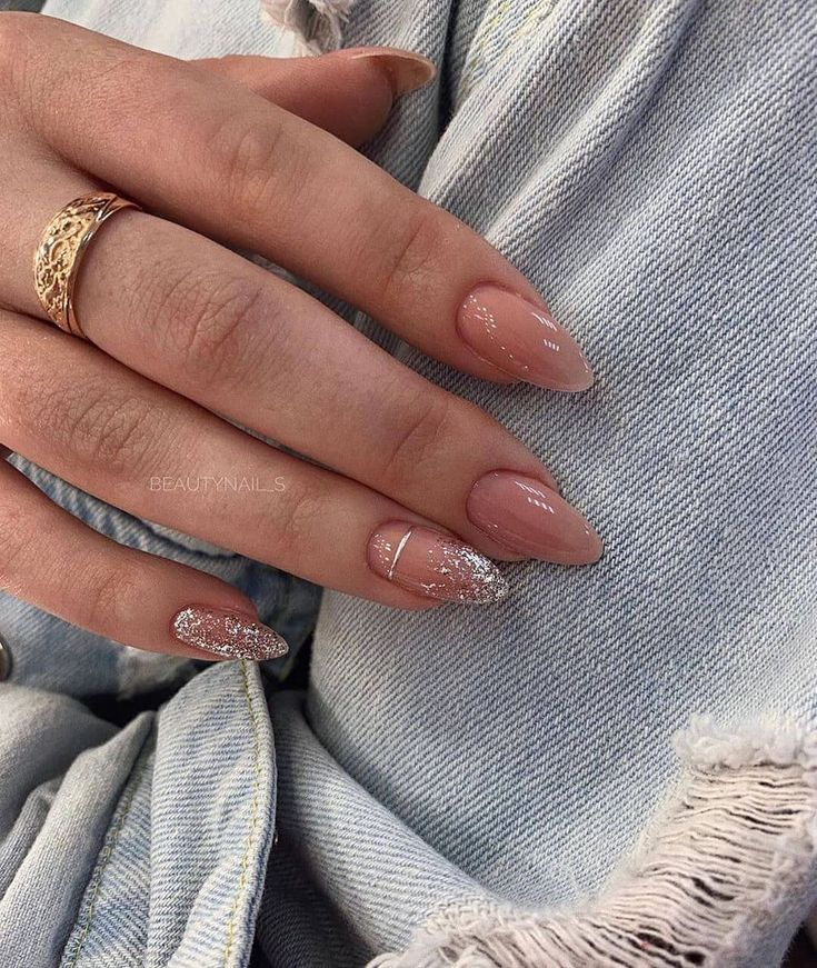The most elegant and beautiful almond nails