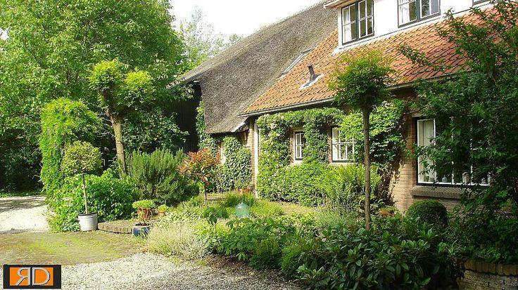 Teo van Horssen | Tuinontwerp boerderij tuin landelijk cottagestyle