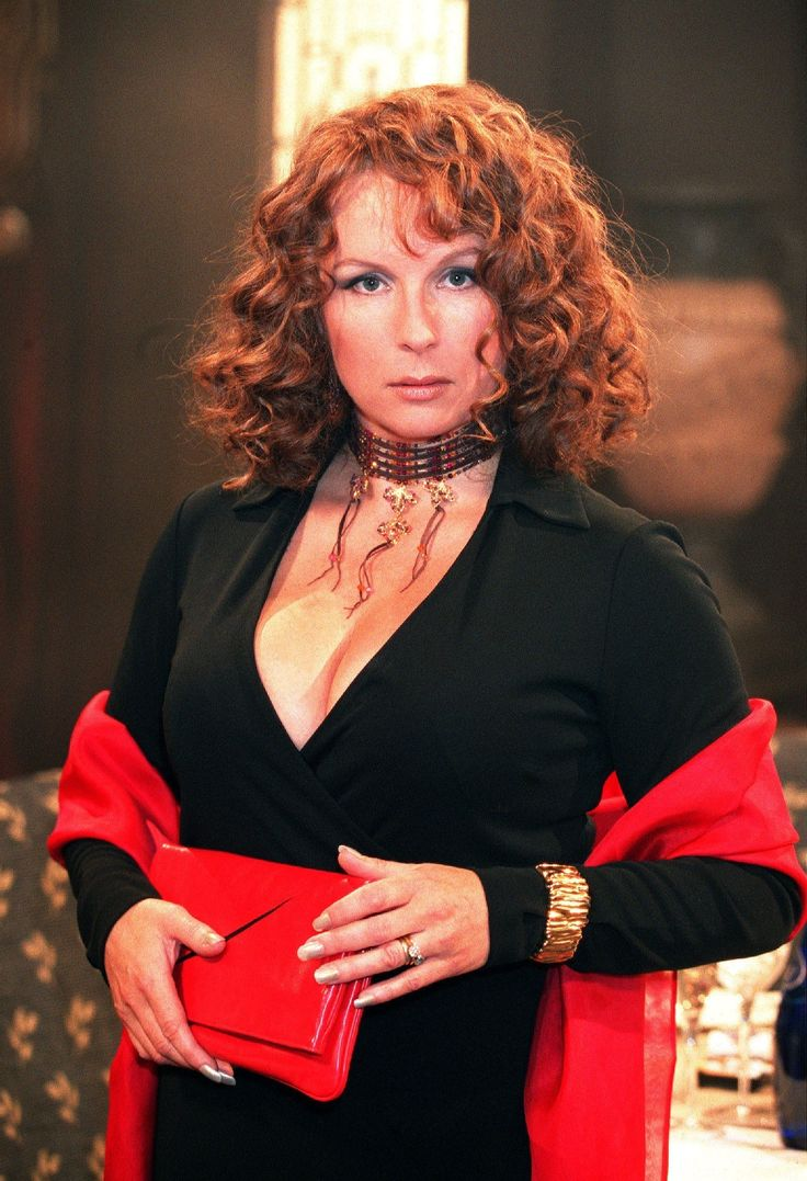 Absolutely Fabulous Edwina. Fav show of all time! Sweetie darling.
