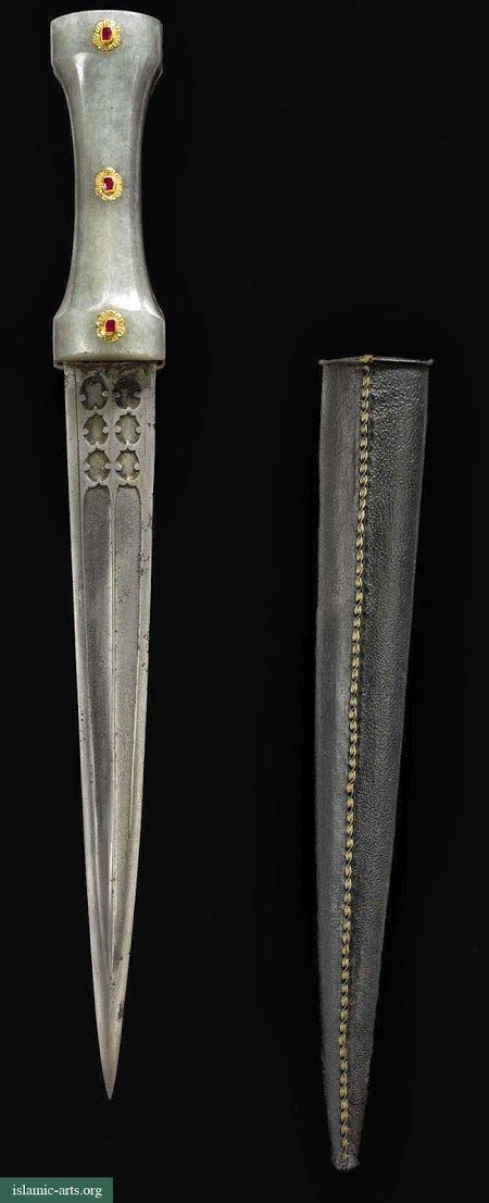 AN OTTOMAN GEM-SET JADE-HILTED DAGGER AND LEATHER SCABBARD, TURKEY, CIRCA 1700