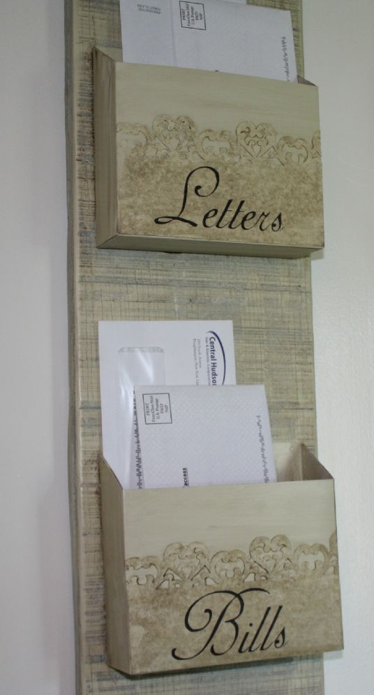 DIY Mail Organizer  I'll make mine a little less shabby and a little more chic =)