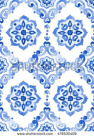 Watercolor royal blue filigree seamless pattern, indigo renaissance tiling ornament. Delicate sapphirine openwork lace pattern. Cobalt blue revival tracery design. Moroccan navy blue background.