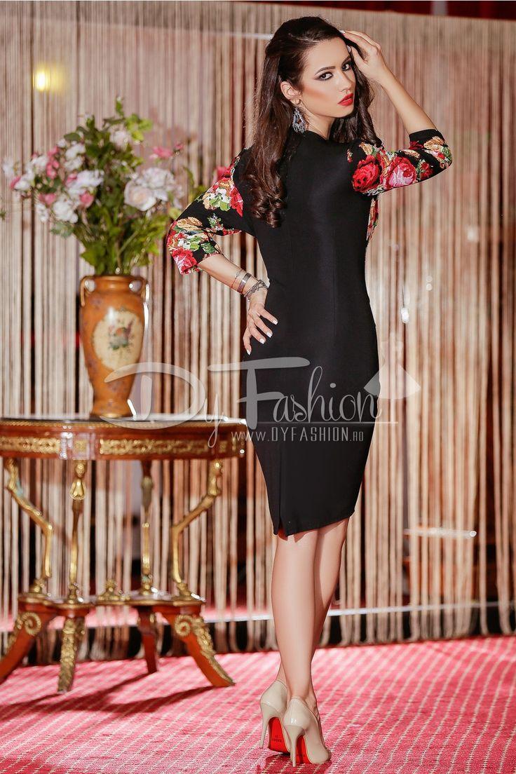 Rochie midi neagra eleganta cu croi deosebit are imprimeuri florale