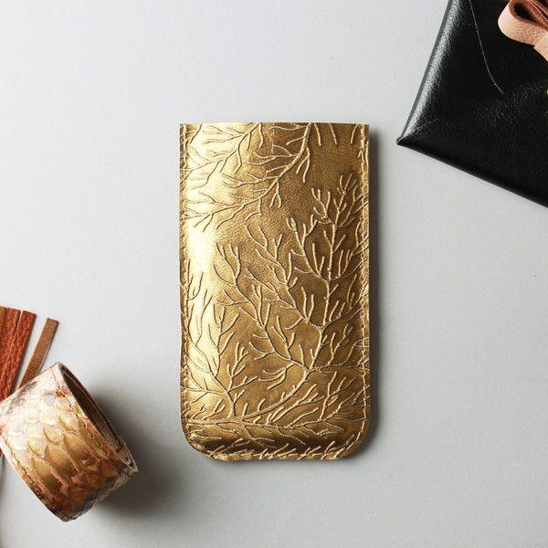 Etuis téléphones portables, Iphone 7 or iPhone 6 leather case in gold colour est une création orginale de RARAMODO sur DaWanda