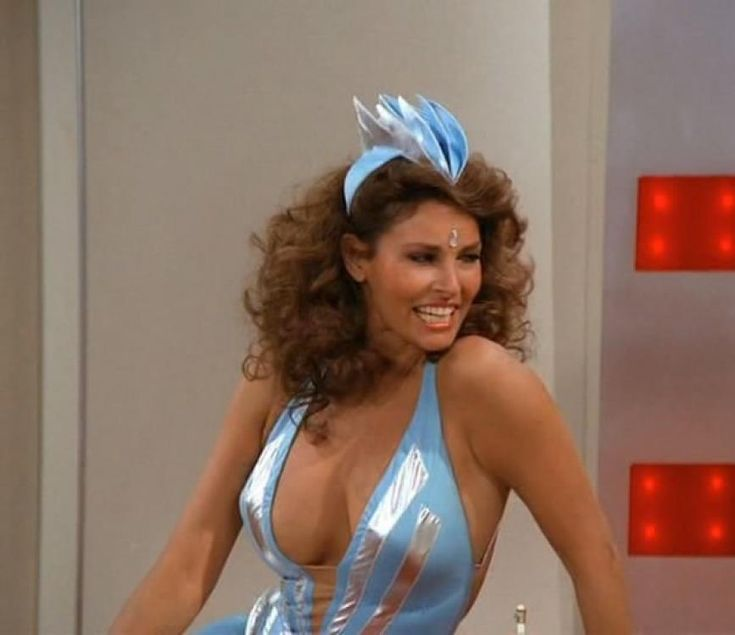 Raquel Welch Mork And Mindy Raquel Welch Is Pork For