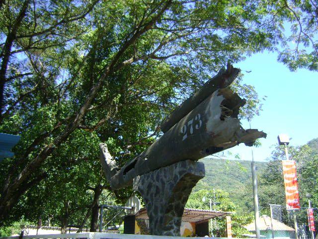 Central Park in Cinquera Town, El Salvador close to Suchitoto... More info at (Spanish): http://en.wikipedia.org/wiki/Cinquera