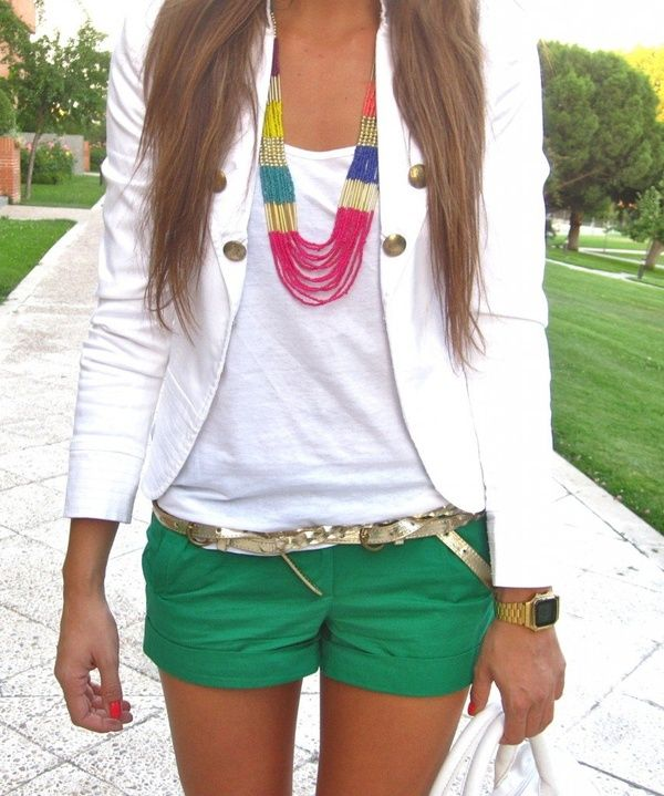 //Fashion, Summer Looks, White Blazers, Summer Outfit, Colors Shorts, Cute Outfit, Spring Outfit, Green Shorts, Necklace