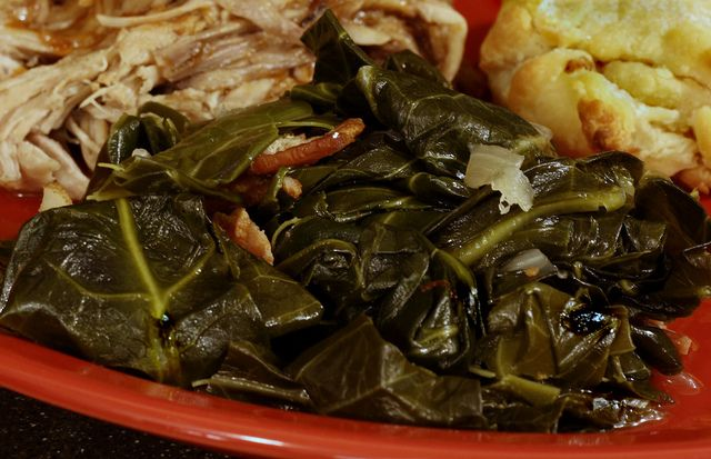 how to cook collard greens with ham hocks