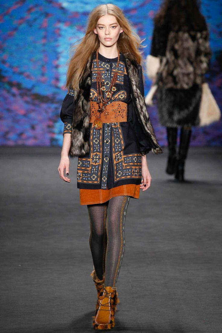 Anna Sui - Fall 2015 Ready-to-Wear - Look 6 of 52