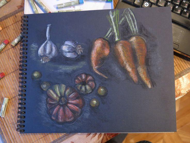 Морковь, чеснок и помидоры с грядки масляной пастелью