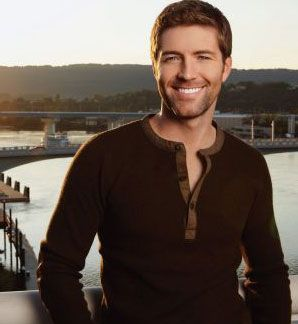 Josh Turner-sexiest man in country music...hands down.