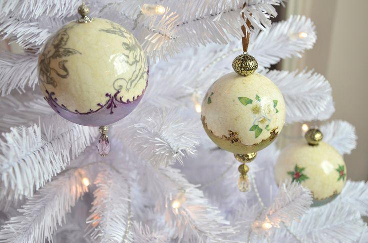 Gömbdísz repesztéssel és viaszpasztával // Christmas ornament with crack...