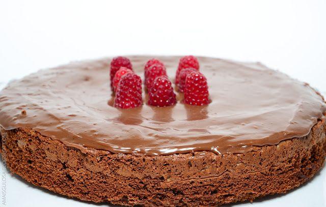 Bolo cremoso de chocolate - Há alguém mais gulosa do que eu?