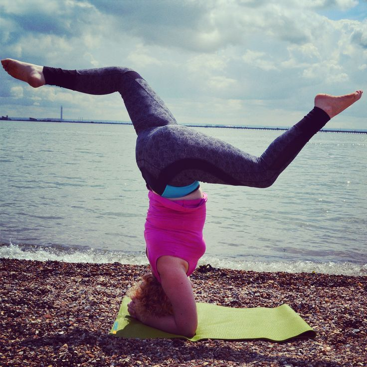 Headstand variation on the beach. Sunny times! Salamba sirsasana Conquering fear and finding confidence #yoga