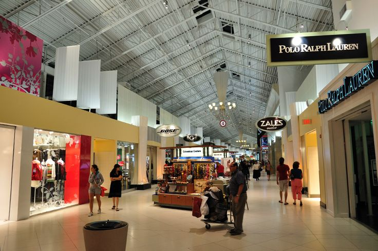 Outlet Shopping Miami - Dolphin Mall