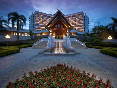 Dusit Island Resort, Chiang Rai - Le Dusit Island Resort, Chiang Rai se situe sur une île de la rivière Kok, à proximité de la ville de Chiang Rai. Ce complexe propose une piscine, une salle de sport et des repas variés. Adresse Dusit Island Resort, Chiang Rai: 1129 Kraisorasit Rd., Vieng, Muang, Chiang Rai 57000 Chiang Rai