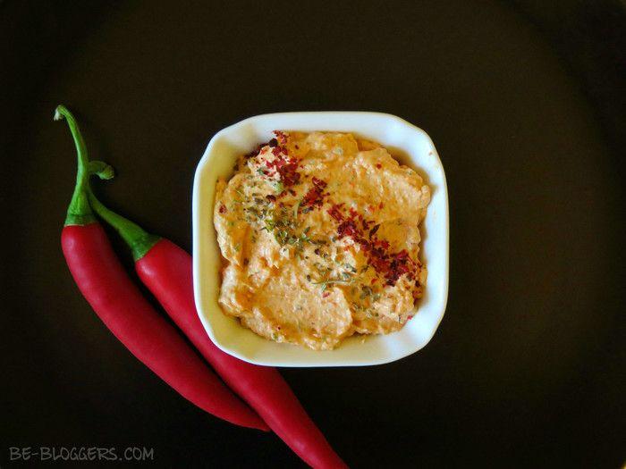соус из феты и запеченного красного перца, рецепт