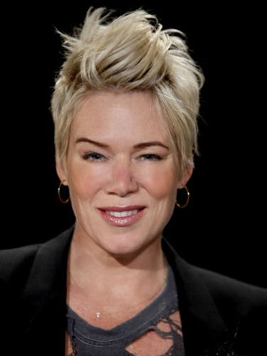 Have always loved Mia Michaels's haircut!!
