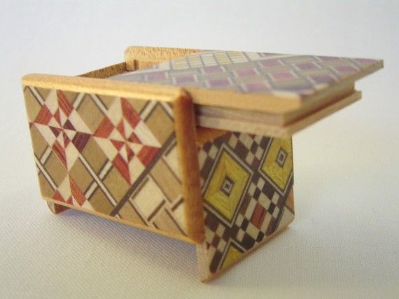 Japanese Puzzle box - Himitsu bako-Mame4steps  Traditional Japanese yosegi(Marquetry) size : 1.7x1.2x1.06 inch / 43 x30 x27mm  Himitsu Bako is one of