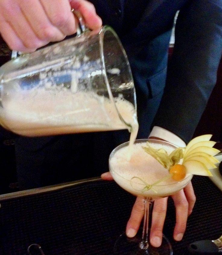 Pouring Bellini Love
