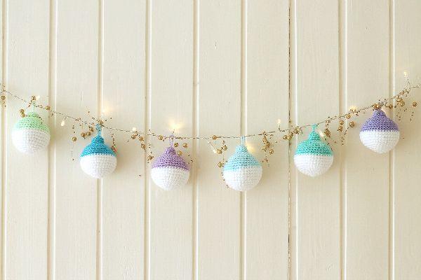 Wonderful DIY Crochet Christmas Ornaments With Free Pattern | WonderfulDIY.com