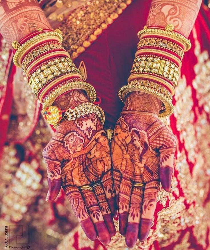 The bride is all set with this beautiful mehendi design #trending #trendingbridalmehendi #hennainspiration #bestmehendiideas #favouritemehendidesign #fashionandbeautytips #weddingevents #weddingphotography #besthennaart #shaadisaga