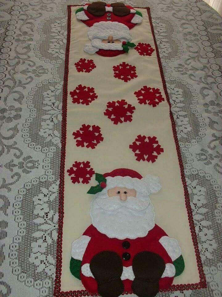Camino+de+mesa+navideño+con+Santa