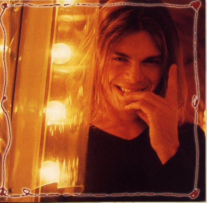 Gianluca Grignani - Il Giorno Perfetto - 1999 - #gianlucagrignani #ilgiornoperfetto - https://itunes.apple.com/it/album/il-giorno-perfetto/id30402622
