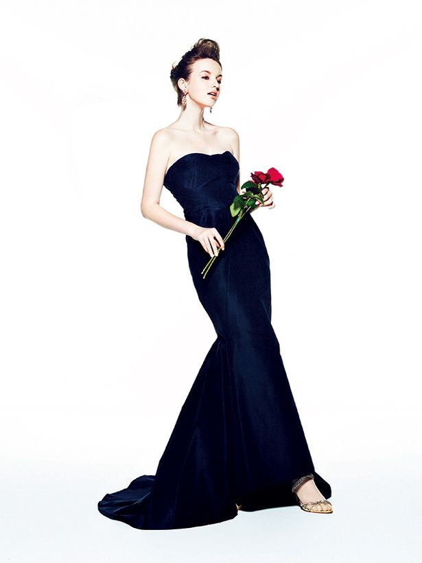 ディテールへのこだわりと美しいシルエット。最高にセクシーな大人色 ドレス レンタル料¥400,000(ハツコ