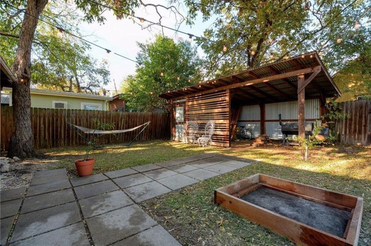 Outdoor Storage for 930 E 49 1/2 St, Austin, TX 78751; 2/1; 1,034 Sq. Ft, $350,000