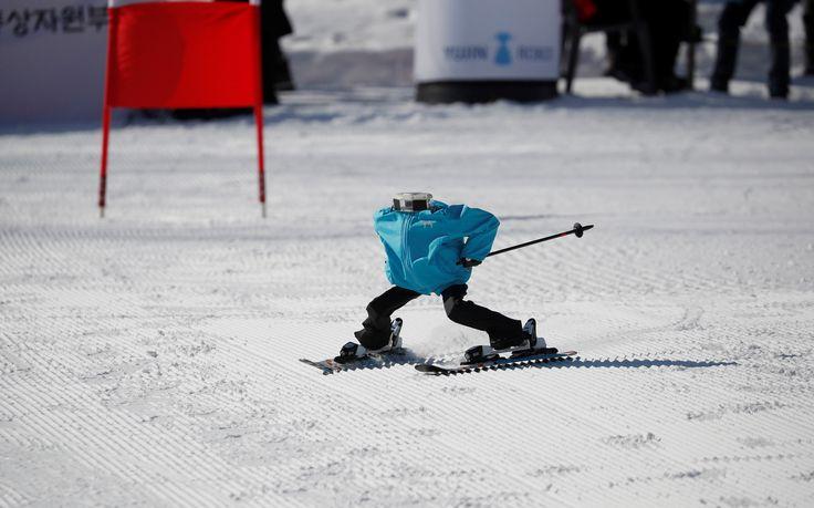 Cette année, les Jeux olympiques d'hiver de Pyeongchang font des heures supplémentaires pour présenter la technologie de la robotique coréenne, avec des robots pour nettoyer, guider les visiteurs, percer un mur pour passer le flambeau olympique et, maintenant, participer à des tournois de ski.