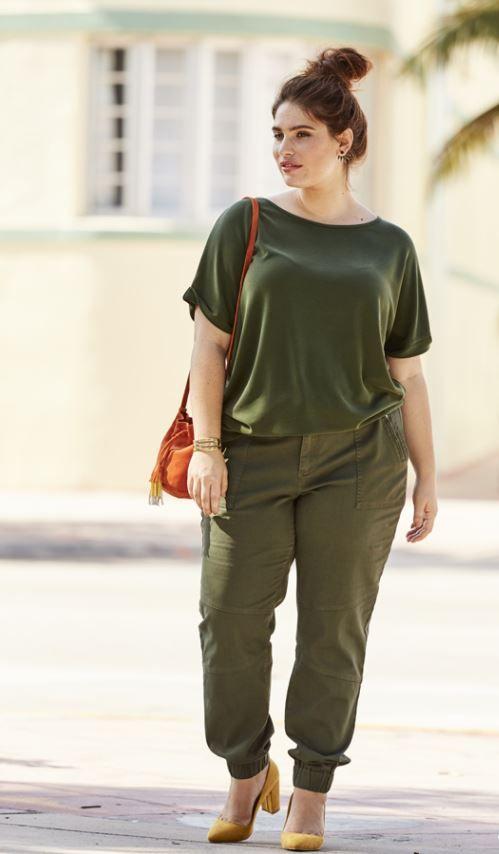 T shirt loose kaki et pantalon kaki Castaluna mode femme grande taille