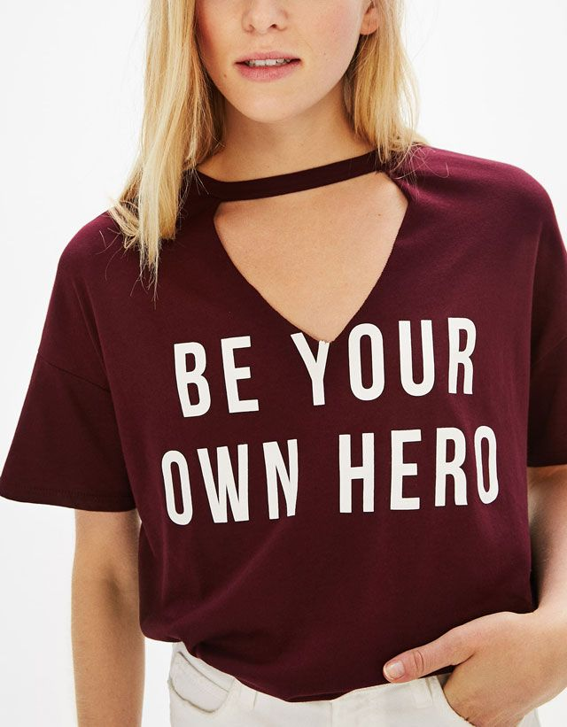 Choker neck T-shirt with slogan | Bershka #choker #neck #tshirt #slogan #hero #woman #bershka