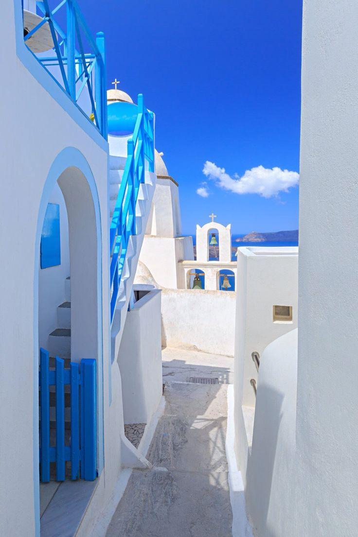 daf31015ea86b2e5fa4085162be21da1--santorini-island-greece-paradis.jpg 736×1,105 pixels