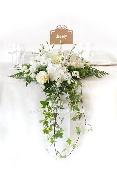 In questa pagina trovi tante foto dei centrotavola per matrimonio che noi fioristi e floral designers di La Piccola Selva abbiamo realizzato nei migliori ristoranti, ville e castelli del Lago dR…