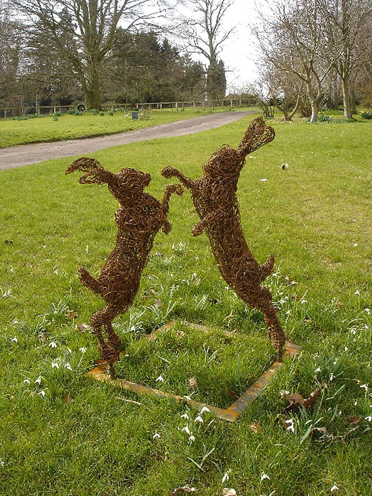 http://blog.lisacoxdesigns.co.uk/inspiration/wire-garden-sculpture-by-rupert-till/