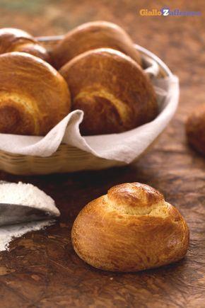 Le #brioche col tuppo (Sicilian brioche buns) sono un vanto della pasticceria…