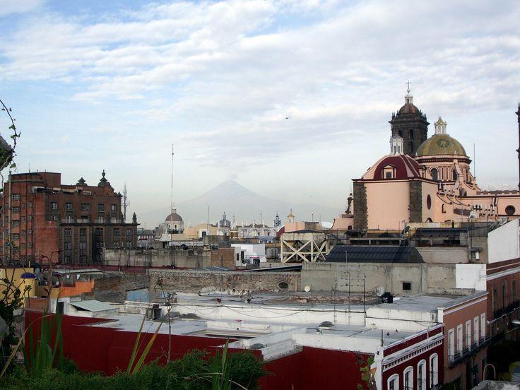 vue des toits de l'hôtel Colonial à Puebla.