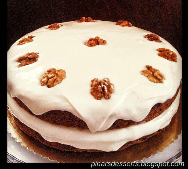 Havuçlu Kek ve Creamcheese Krema - Pınar Ünlütürk #yemekmutfak.com Anneler günü için çok özel bir pasta tarifi. Cheesecake kremalı havuçlu kek, havuç, krema, tarçın, portakal, ceviz, zencefil ve daha birçok aromanın birbiriyle muhteşem uyumu, ağızda bıraktığı lezzet ise inanılmaz.