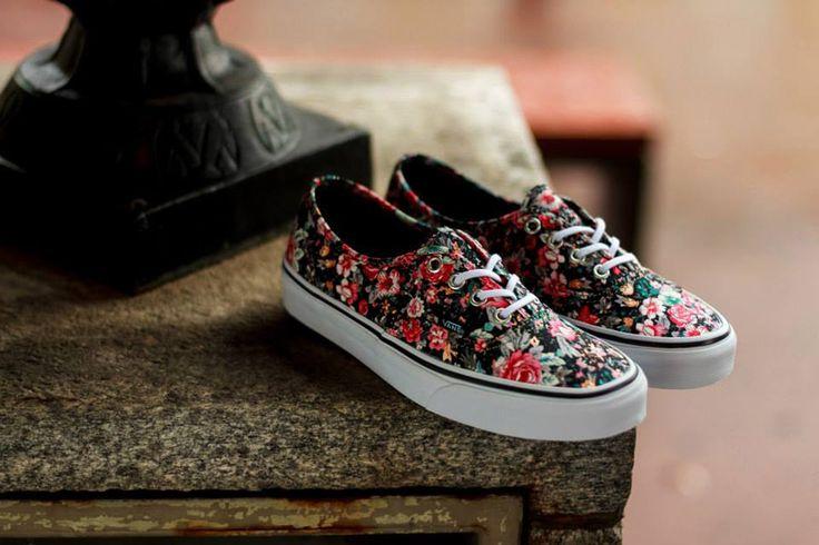 Vans Authentic Multi-Floral