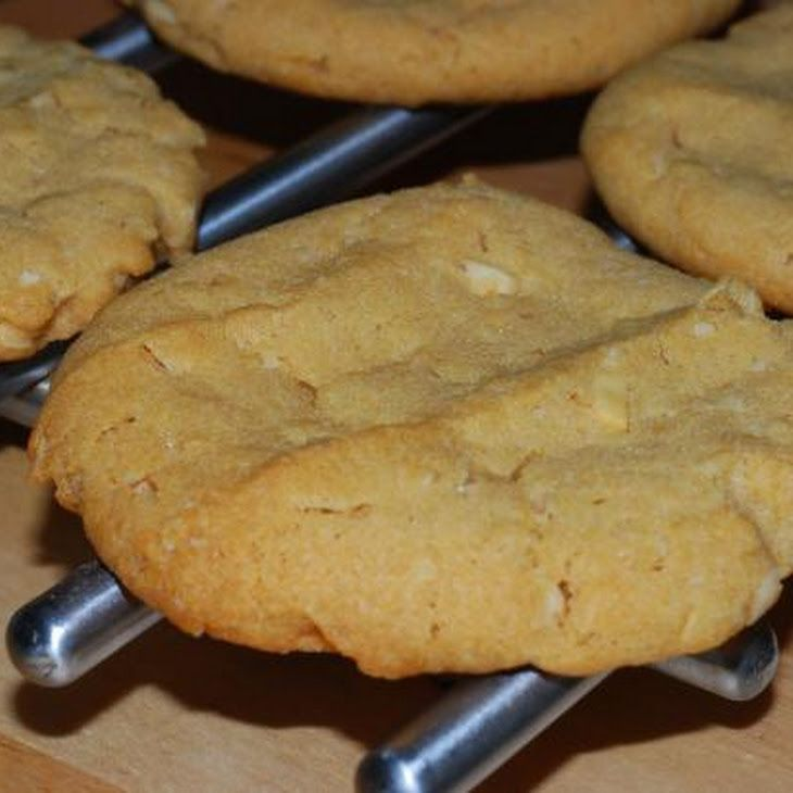 Soft Peanut-Butter Cookies Recipe. Always looking for a good peanut butter cookie!