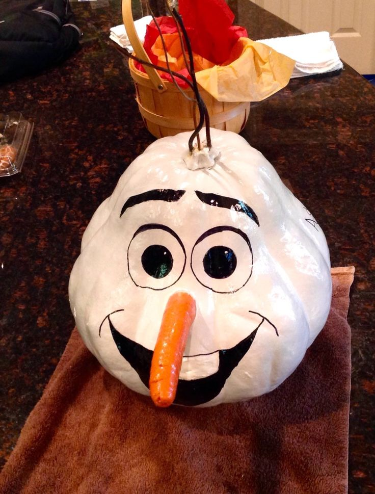 Awesome idea for decorating a pumpkin (gourd) like Olaf from Frozen!