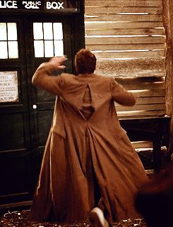 Ten high-fiving the TARDIS (gif)
