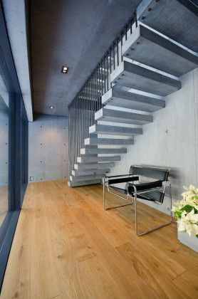 concrete-house-staircase