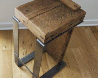 Barkruk teruggewonnen hout. Industriële barkruk. Handgemaakte meubels. Moderne rustieke meubels