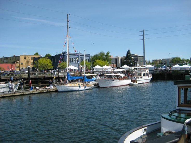 A sunny day downtown... Plus street vendors. Wood Boat Fair?