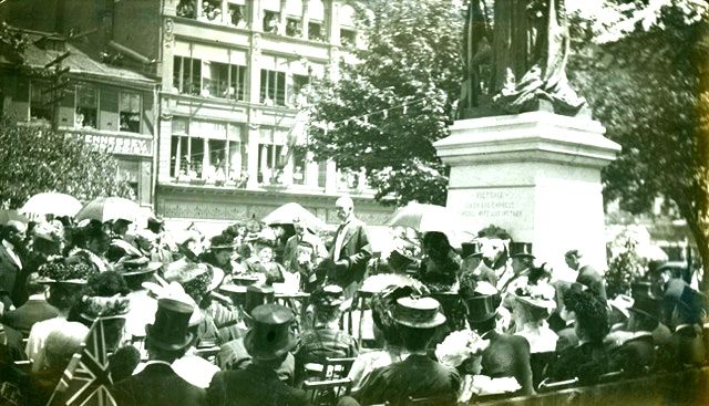 Queen Victoria Statue Dedicated – 1908 It was a major occasion, witnessed by thousands – the first statue in the British Empire dedicated to the memory of Queen Victoria.
