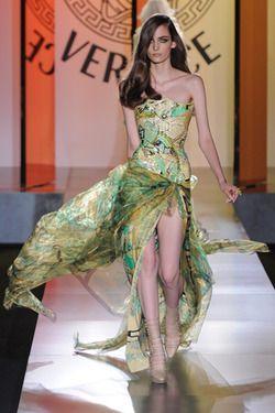 Atelier Versace Fall 2012  Zuzanna Bijoch: Atelier Versace, Fall 2012, Fall Winter, Ate Versace, Versace Haute, Versace Fall, Green Dresses, Couture Fashion, Haute Couture